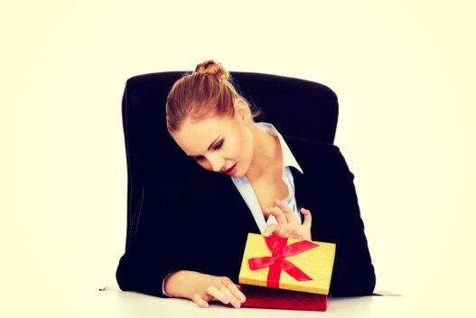 Julegave til kvindelig ansat